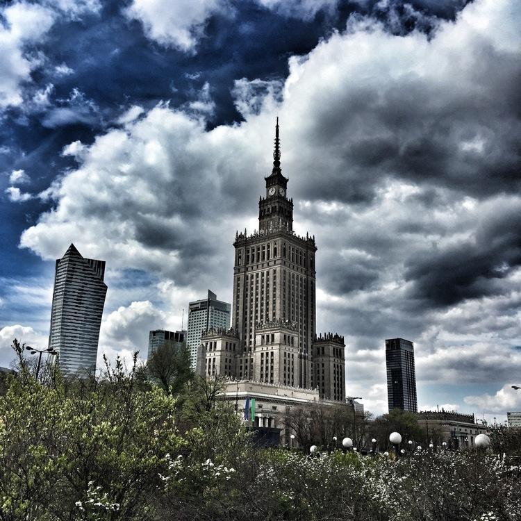 #02__Auschwitz & Warszawa